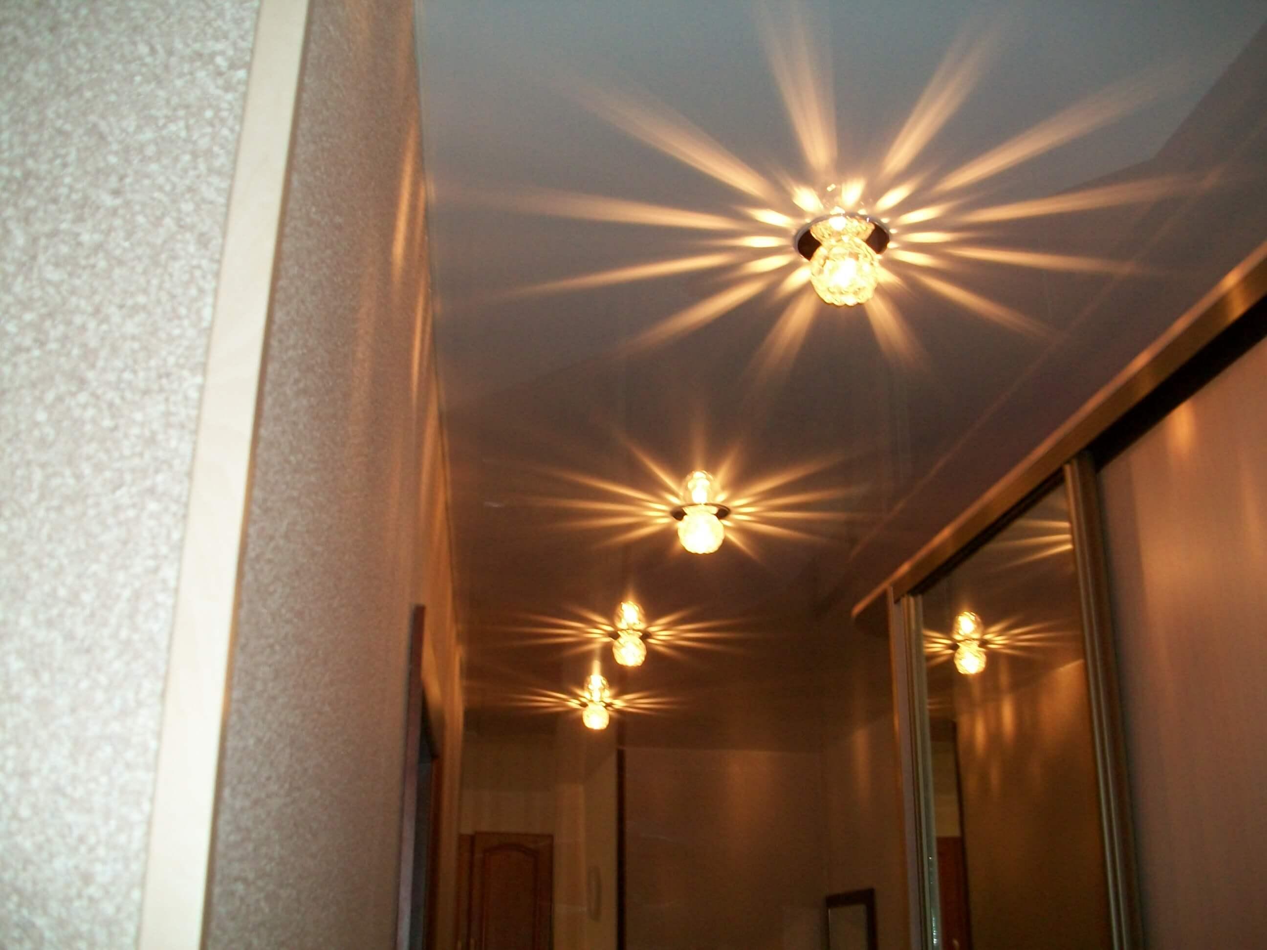 Разновидности светильников для натяжного потолка