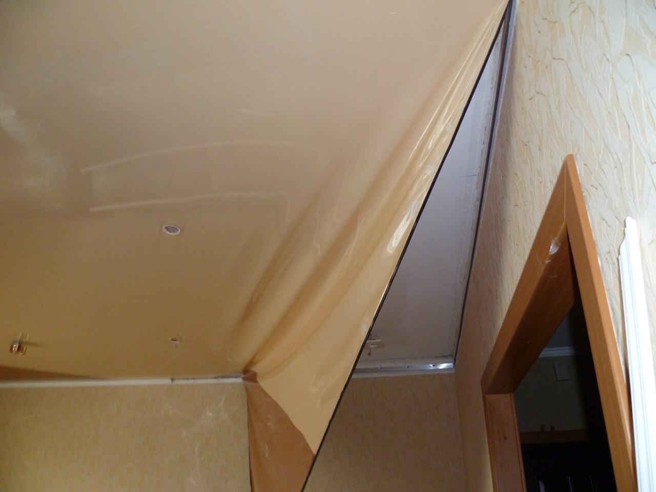 Демонтаж натяжных потолков из ПВХ