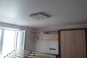 Эффект втягивания и парусность натяжного потолка.Ремонт потолка