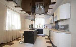 Плюси натяжної стелі на кухні