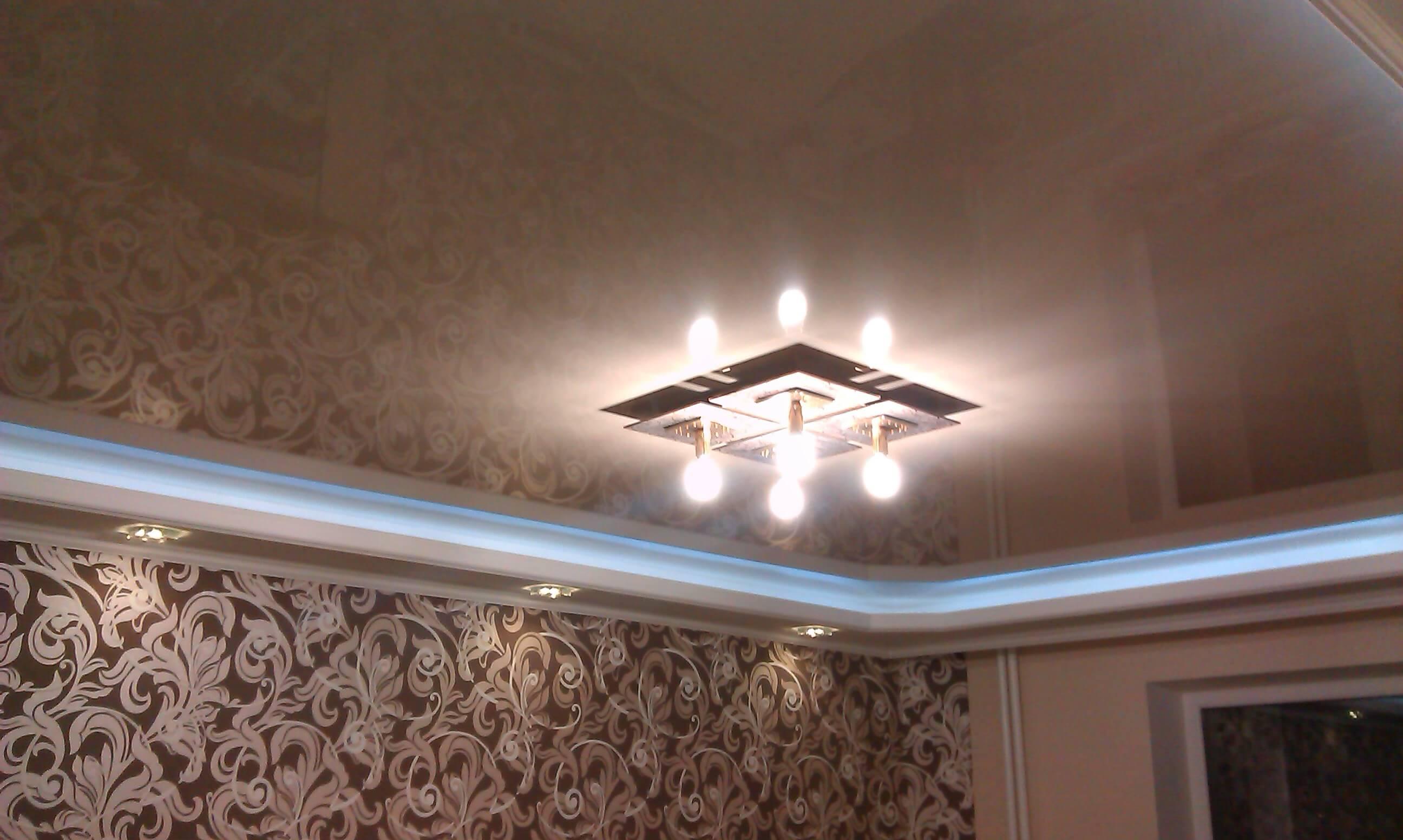 Преимущества перламутровых натяжных потолков